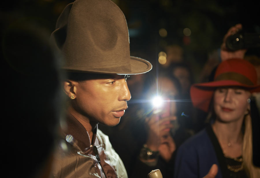 Pharrell Williams auf Fashion Week