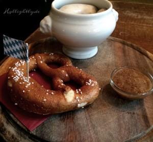 Brezen und Weisswurst