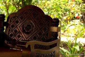 Coole Holzstühle im Zeavola